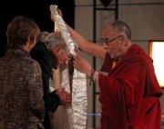 США: Ричард Гир принял участие в диалоге с Далай-ламой об ответственности художника