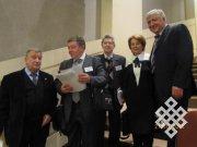 Слева направо: участник форума, Р.Гринберг, В. Макаров, О. Дмитриева и А. Асаул