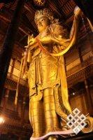 Статуя Авалокитешвары в монастыре