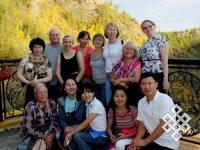 Группа участников школы на природе