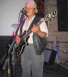 Скончался основатель легендарной тувинской рок-группы «Амыр-Санаа» Александр Саржат-оол