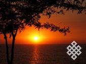 Закат на Черном море. Цветовая гамма заката меняется каждую минуту.