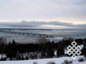 Волжский пейзаж. Приятно вновь, как в юности, забраться на венец (высшую точку города) и окинуть взглядом удивительный вид моста через Волгу в Ульяновске.