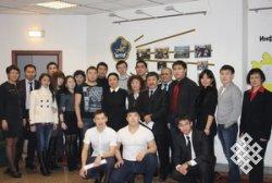В Полпредстве Тувы в Москве состоялась встреча студентов-медиков с Ларисой Шойгу и Анатолием Дамба-Хуураком