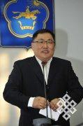 Председатель Правительства Тувы защитил кандидатскую диссертацию по экономике