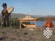 В Туве освятили памятник тувинскому горловому пению