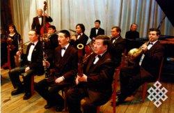 Тувинские музыканты прошлись по красной дорожке Канн