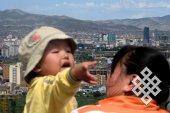 Превратившаяся в мегаполис столица и молодое поколение (около 30% населения Монголии моложе 14 лет).