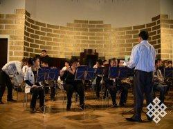 Оркестр из Тувы во время репетиции 15 октября в зале Латвийского университета
