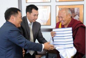 Глава Тувы попросил содействия у представителей Далай-Ламы по переводу буддийских первоисточников на тувинский язык