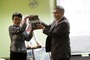 """""""Друзья Тибета"""" в Туве познакомились с Эверестом и новым переводом книги о Его Святейшестве Далай-ламе"""