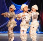 Детская хореографическая школа поздравила юбиляров и отчиталась