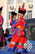 Ученые и дизайнеры Тувы предлагают ввести правила ношения национальной одежды