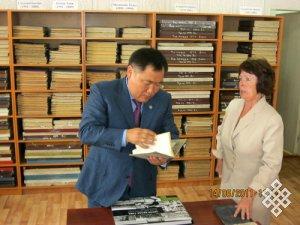Становление и развитие Национальной библиотеки Республики Тува как информационно-образовательного и культурного центра (1993–2013 гг.)