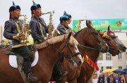 Екатеринбуржцев в день города развлек тувинский конный оркестр
