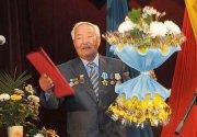 Народный писатель Тувы Александр Даржай отмечает 70-летие