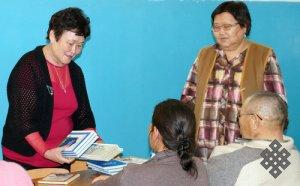 На филологическом факультете ТувГУ состоялась встреча с цаатанами —  тувинцами-оленеводами Монголии