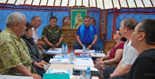 В Кызыле состоялась презентация книги «Салчак Тока»