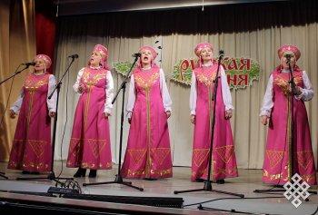 В Кызыле прошел концерт в поддержку строительства музея-избы русского быта