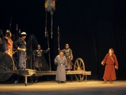 Тувинский национальный театр открыл 83-й сезон